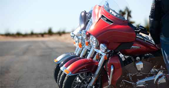 Row_of_motorcycles_575x300